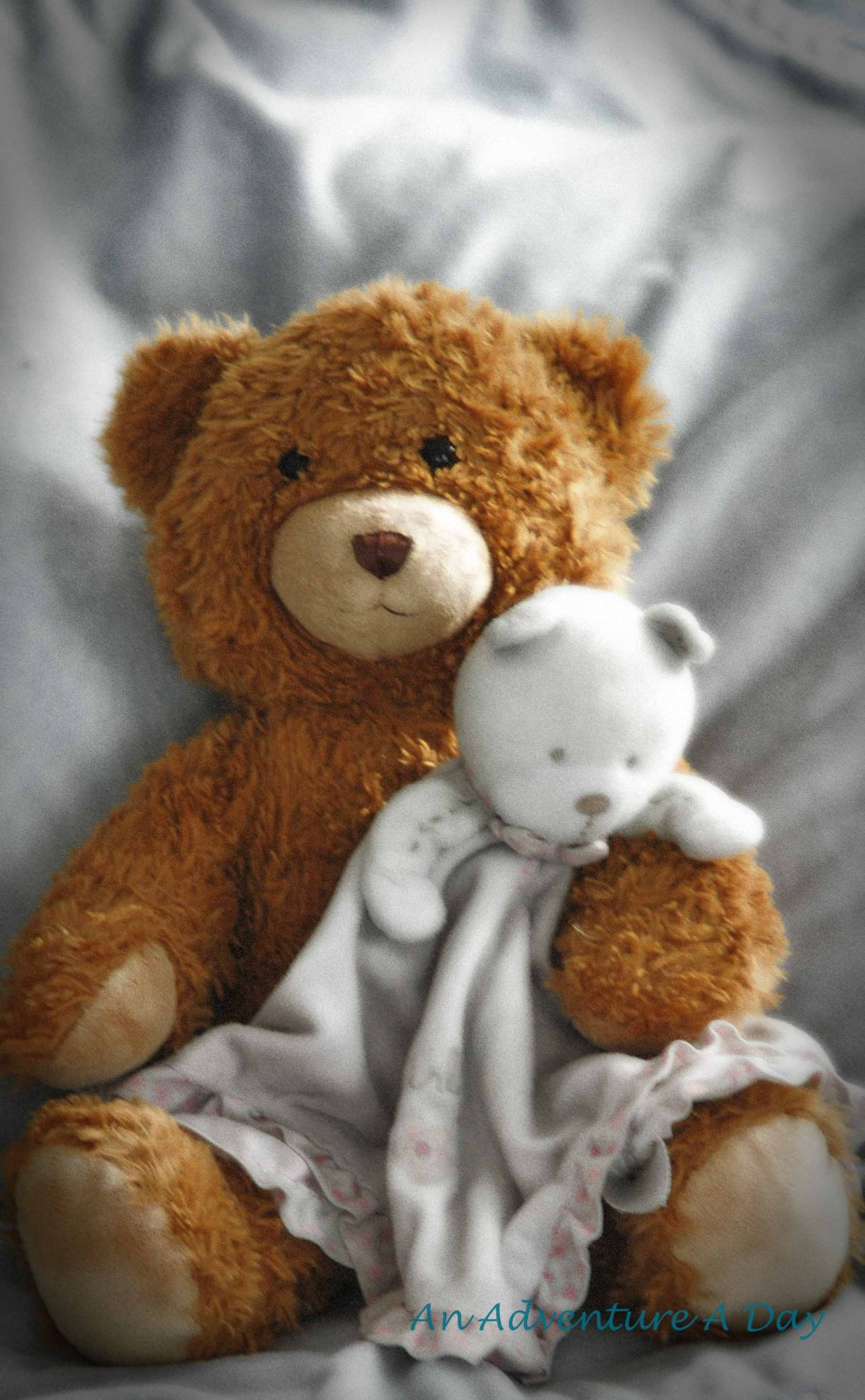 There's no love quite like the love between a child and their schmusebär - their Teddy!