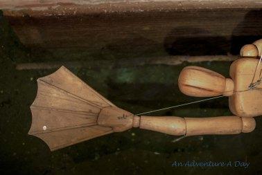 DaVinci's swimming apparatus
