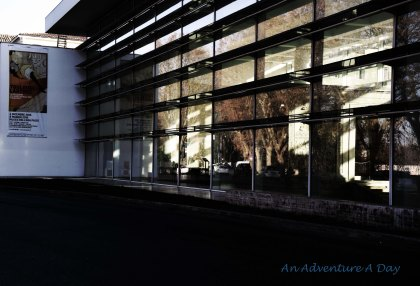 Most of the Ara Pacis Museum is visible through the exterior.