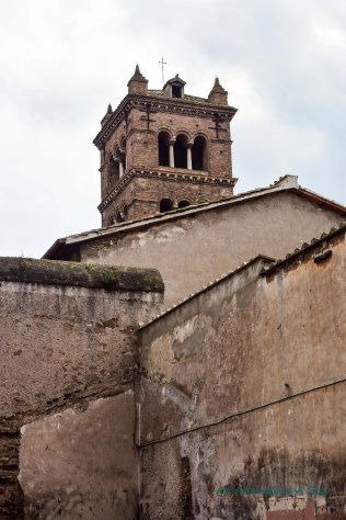 steeple in Trastevere_edited-1001